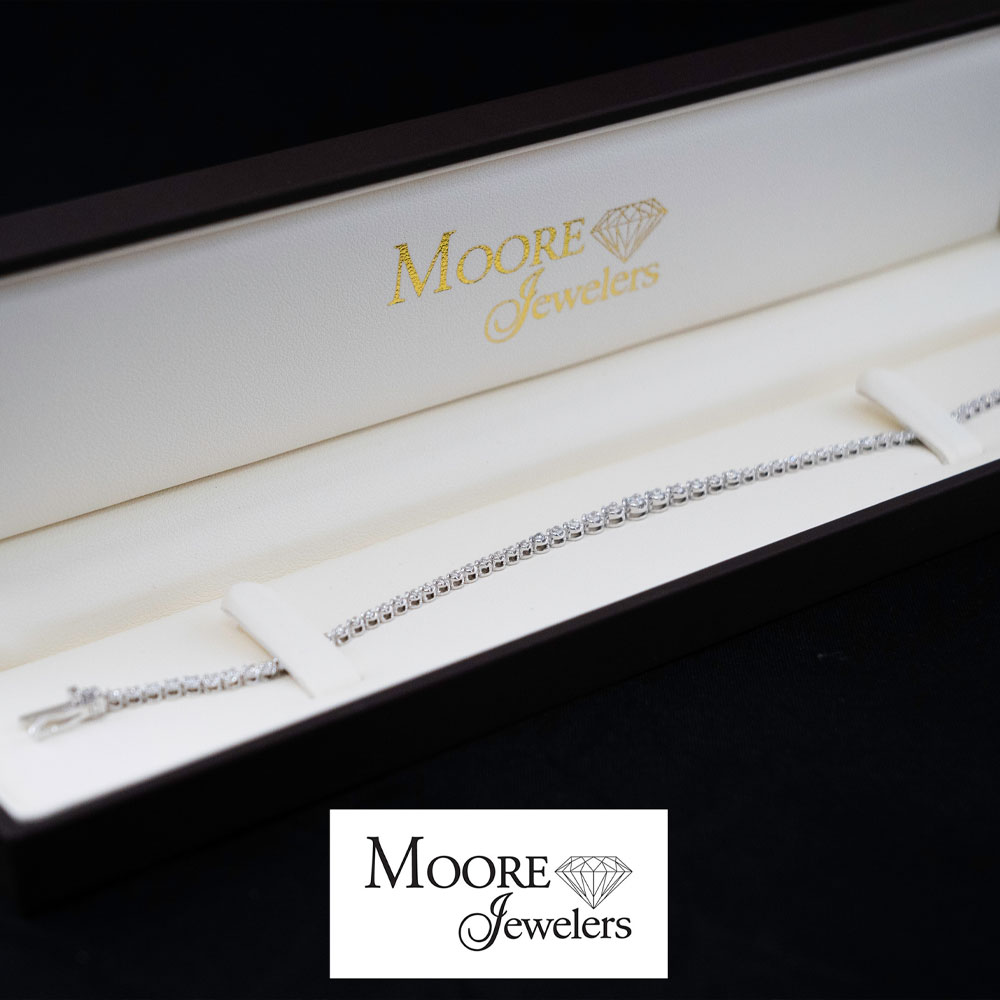 14. Dazzling Diamond Tennis Bracelet